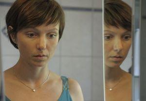 "Julia Koschitz als Helena Kettner in ""Toedliche Versuchung"""
